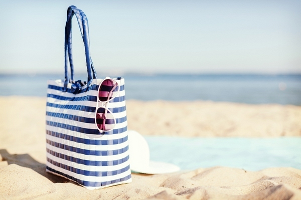 Beach bag: What to put in it