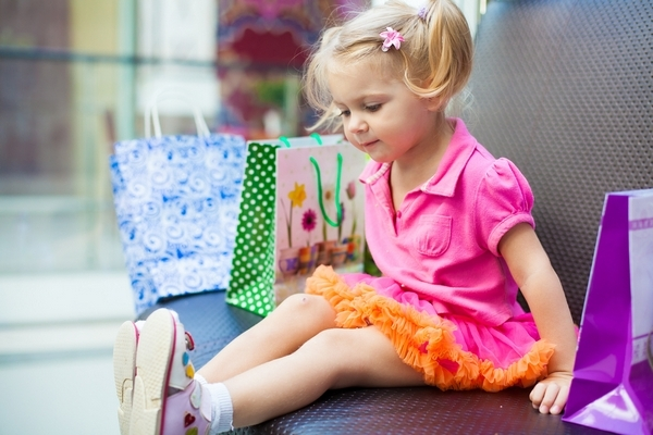 7 Tips for Christmas Shopping With the Kids